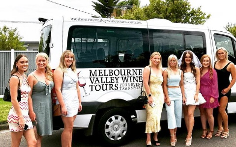 hens day winery tour in the yarra valley